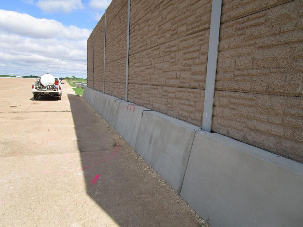 MASH TL-3 traffic barrier (1)